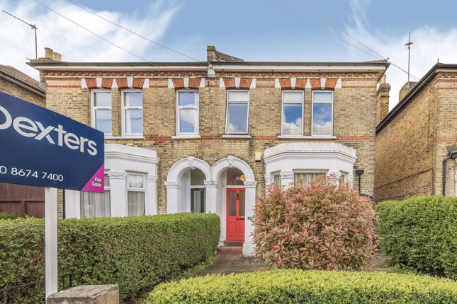 3 bed flat to rent in Buckleigh Road, London SW16
