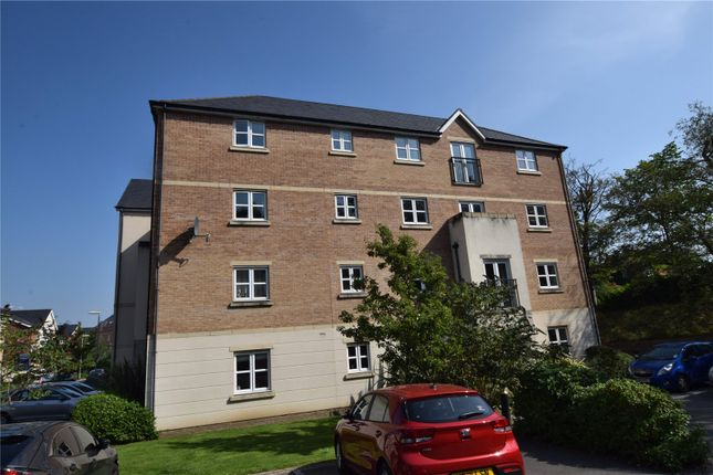 Thumbnail Flat for sale in Montgomery Avenue, Weetwood, Leeds