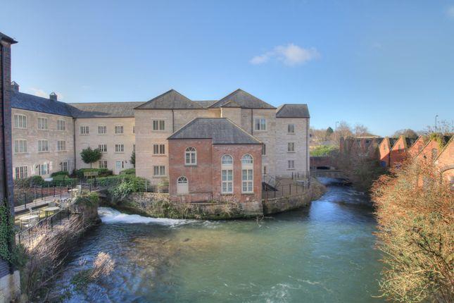 2 bed flat to rent in Dudbridge Road, Dudbridge, Stroud