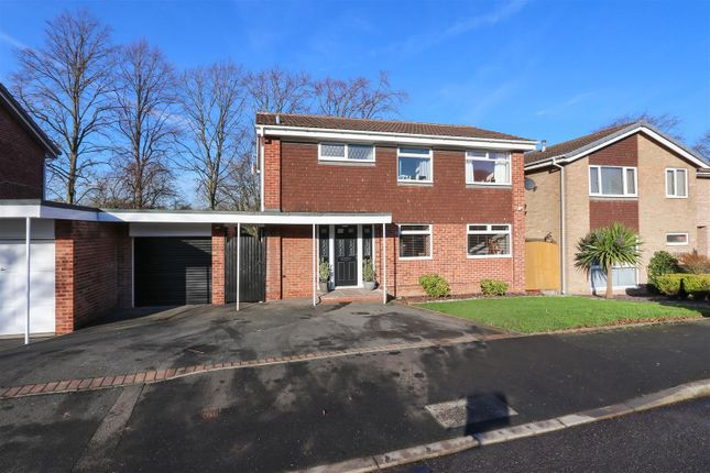 Front of Moorland View Road, Walton, Chesterfield S40