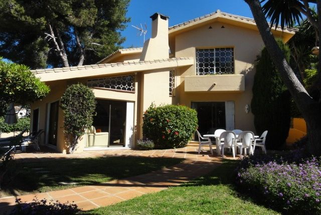 3 bed villa for sale in Nueva Andalucia, Malaga, Spain