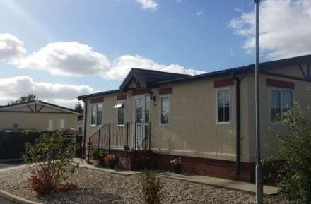 Thumbnail Mobile/park home for sale in Station Road, Sandycroft, Deeside