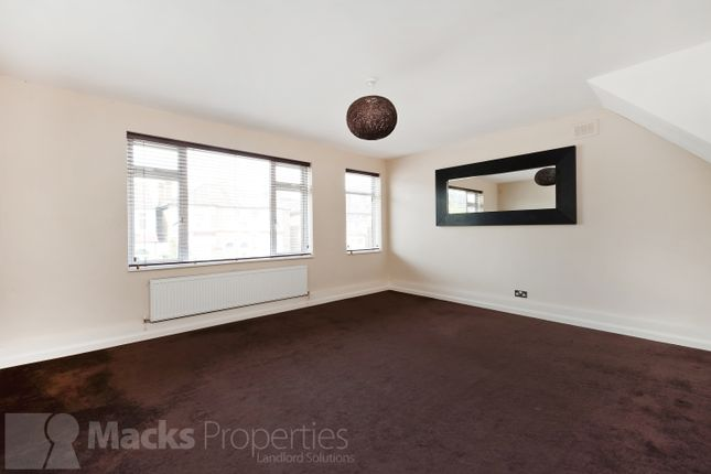 Thumbnail Flat to rent in Kemble Road, Forest Hill