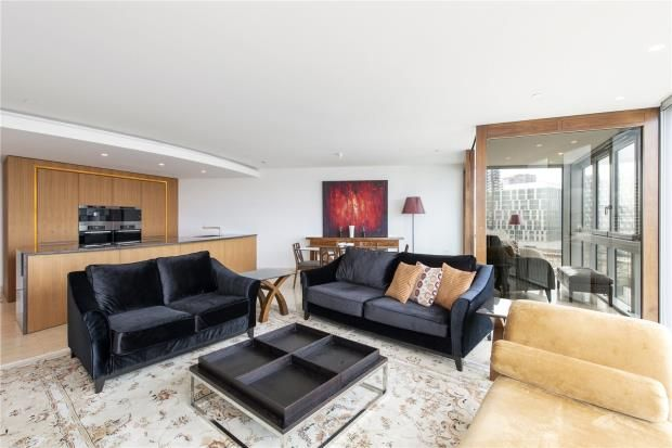 Thumbnail Flat to rent in The Tower, 1 St George Wharf, Vauxhall, London