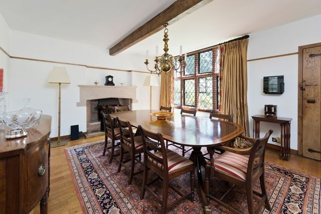 Dining Room of Old Avenue, West Byfleet KT14