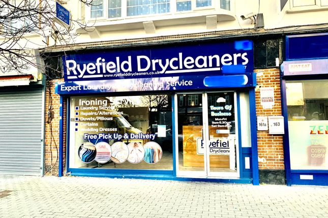 Shop Available To Let In Uxbridge