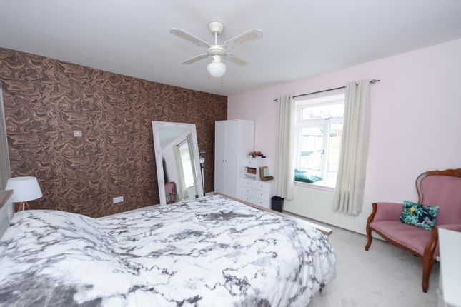 Bedroom1 of Sheffield Road, Stonegravels, Chesterfield S41