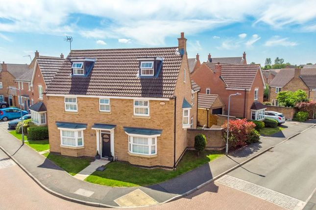 5 bed detached house for sale in Fieldfare Close, Oakley Vale, Corby NN18