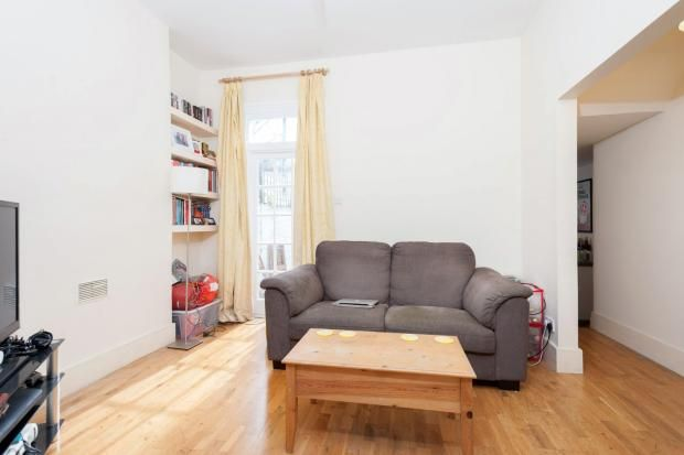 1 bed flat to rent in St Lukes Avenue, Clapham