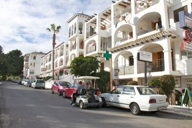1 bed apartment for sale in South Facing Plaza Apartment, Villamartin, Alicante