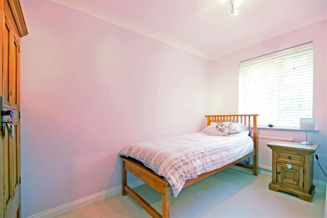 Thumbnail Flat to rent in Craigmount, Radlett
