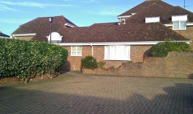 Thumbnail Maisonette to rent in Cherry Tree Close, Farnham