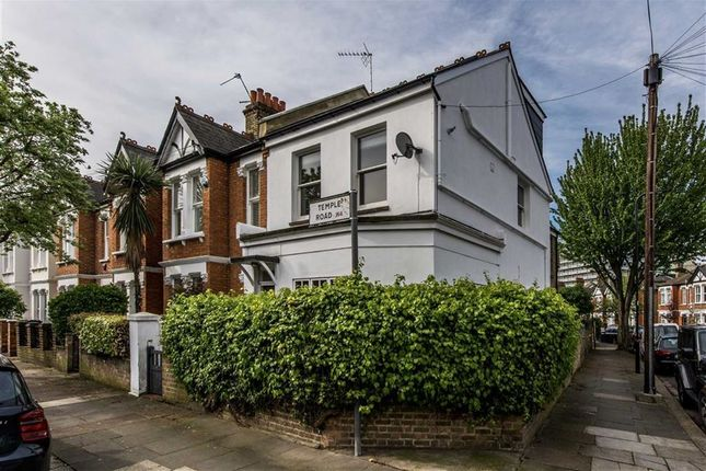 Thumbnail Flat for sale in Temple Road, London