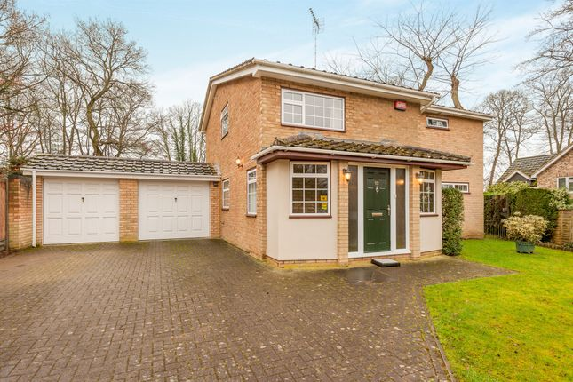 Thumbnail Detached house for sale in Chamberlains Gardens, Leighton Buzzard