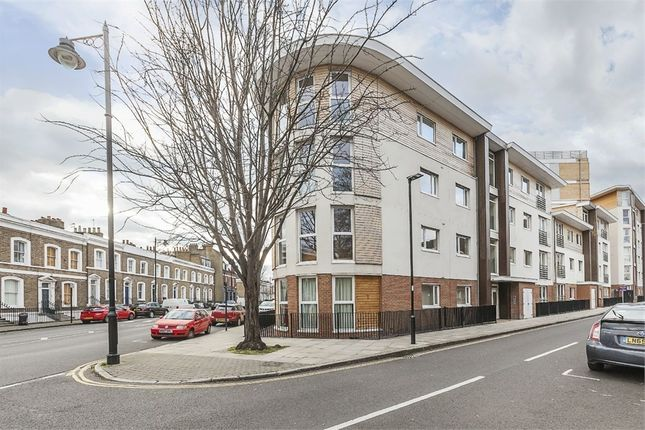1 bed flat to rent in Island Apartments, 29 Basire Road, London N1