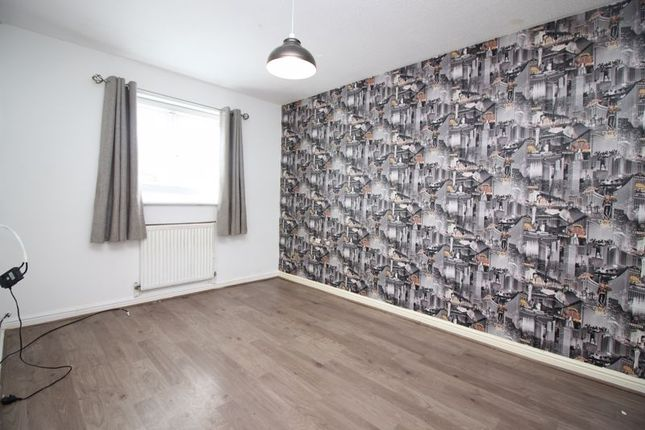 Bedroom 2 of Isis Close, Salford M7