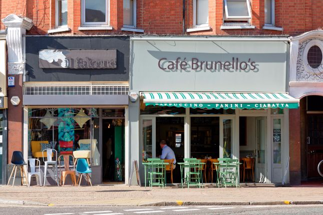 Thumbnail Restaurant/cafe for sale in Green Lanes, Winchmore Hill, London
