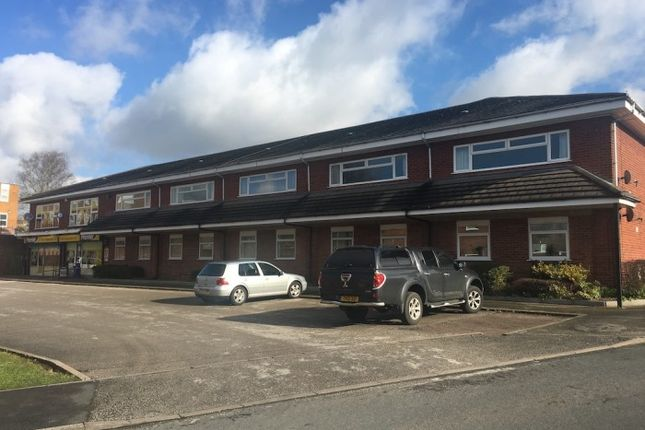 2 bed flat to rent in Knoll Close, Knoll Close, Burntwood, Burntwood WS7