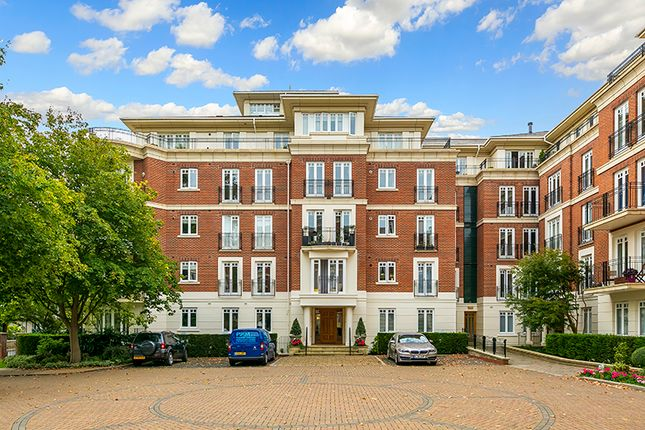Thumbnail Flat for sale in 28 Clevedon Road, East Twickenham