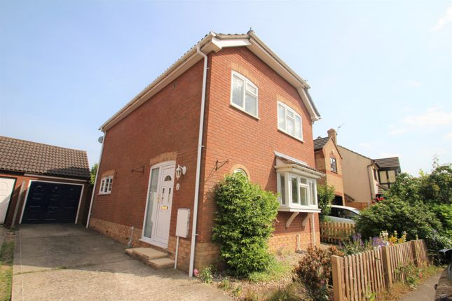 Thumbnail Semi-detached house to rent in Beaumont Close, Colchester, Essex