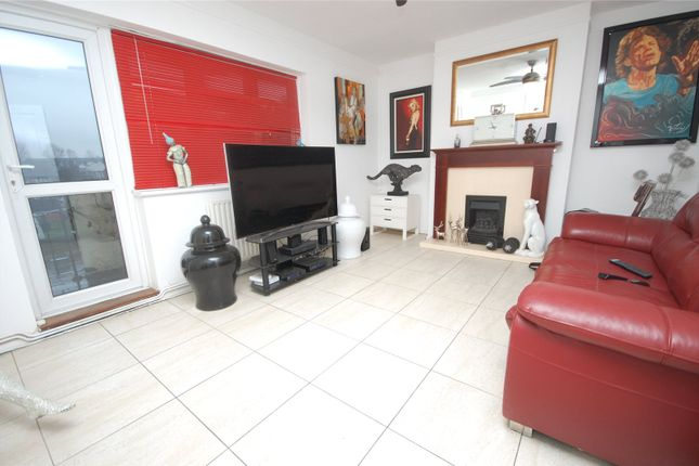2 bed flat for sale in London Road, Romford, Essex