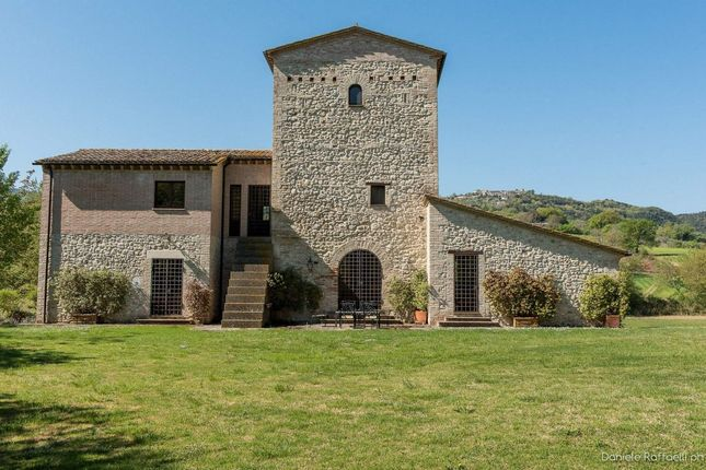 4 bed town house for sale in 05035 Narni Tr, Italy