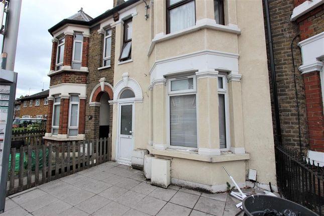 Thumbnail Studio to rent in Green Lane, Ilford, London