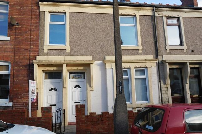 Thumbnail Flat to rent in Park Road, Blyth