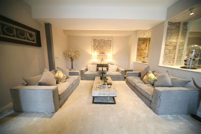 Thumbnail Flat for sale in Holcombe Road, Helmshore, Rossendale