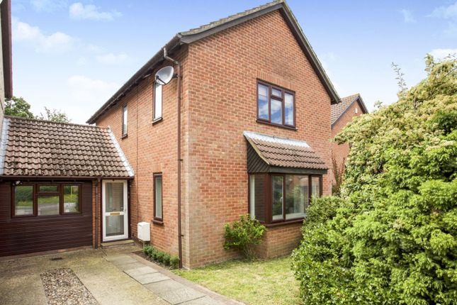 Thumbnail Detached house for sale in Hardy Green, Crowthorne