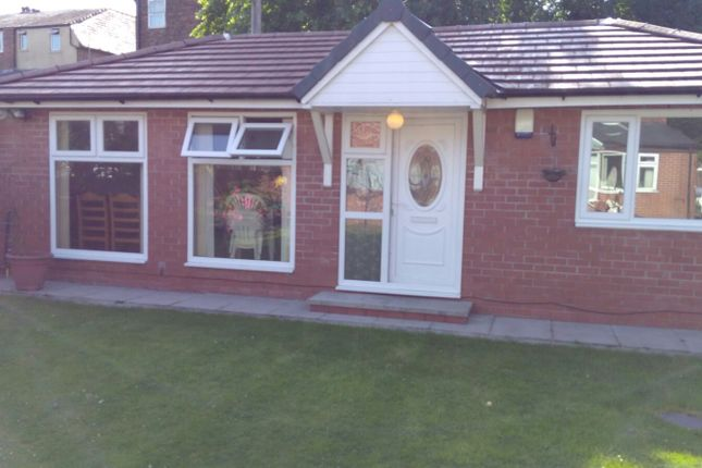 Thumbnail Bungalow to rent in Wellington Road, Manchester