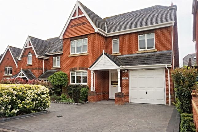 Thumbnail Detached house to rent in Nightingale Walk, Windsor