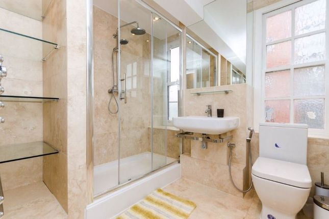 3 bed flat for sale in Edgware Road, London