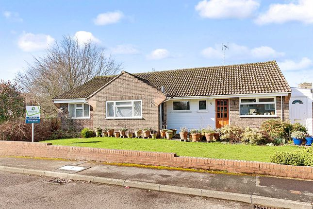 Thumbnail Bungalow for sale in Chestnut Way, Henfield