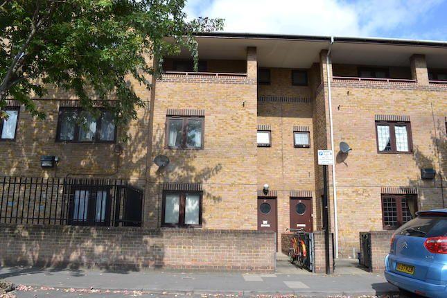 Thumbnail Terraced house for sale in Laburnum Street, Hoxton/Old Street