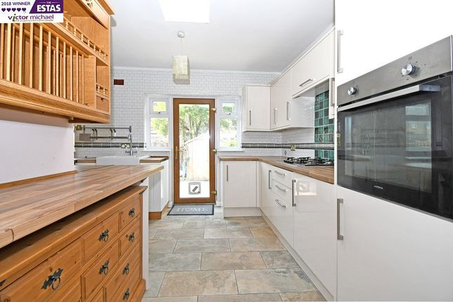3 bed flat to rent in Lincoln Road, London, Greater London. E13