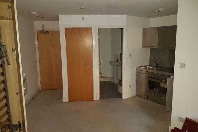 Main Room of 3 Wellington Road, Dewsbury WF13
