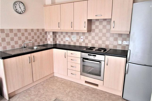Thumbnail Flat to rent in Charlcot Mews, Cippenham, Berkshire