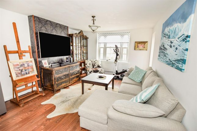 Flat for sale in Martin Way, Morden