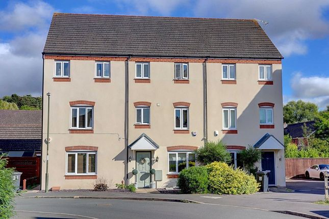 Thumbnail Town house for sale in 20, Evergreen Way, Stourport-On-Severn, Worcestershire
