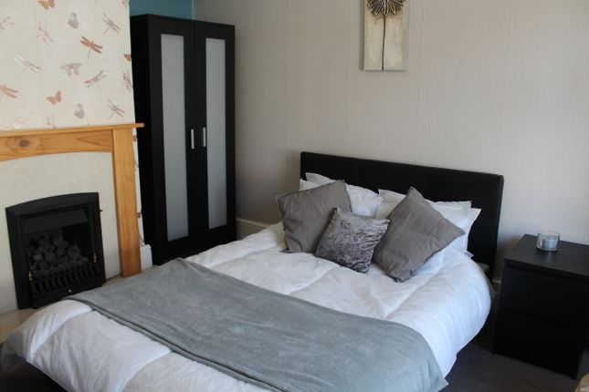 Thumbnail Room to rent in New Road East, Portsmouth