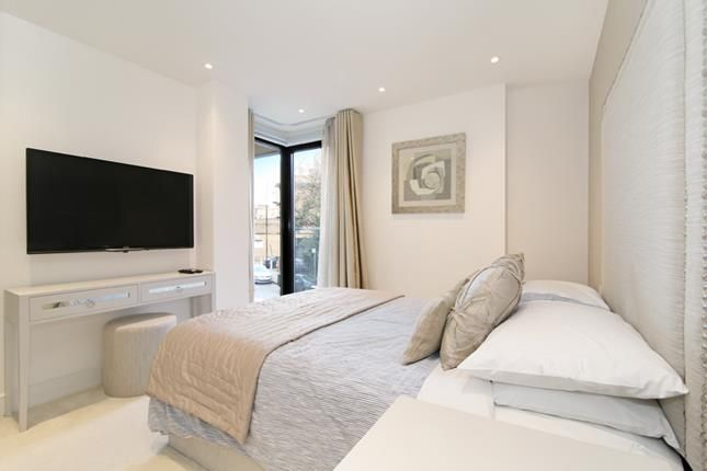 Photo 6 of Tower View Apartments, St Katharines Way, London E1W
