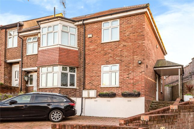Thumbnail Flat for sale in Evesham Road, Bounds Green, London