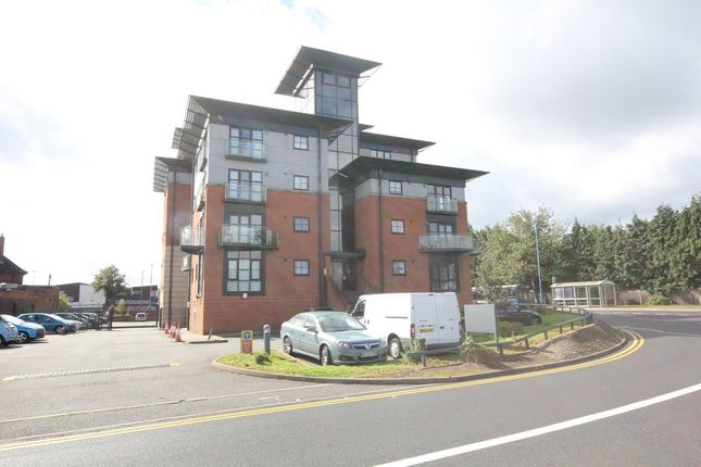 2 bed flat to rent in The Heights, Walsall Road, West Bromwich