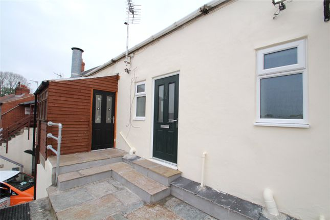 2 bed flat to rent in The Green, South Kirkby, Pontefract WF9