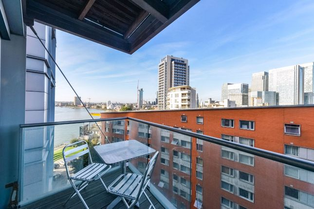 Thumbnail Terraced house to rent in New Providence Wharf New Providence Wharf, 1 Fairmont Avenue, London