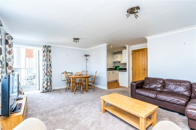Thumbnail Flat for sale in Orchard Place, Southampton, Hampshire