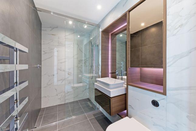 Bathroom of Perilla House, Goodmans Fields, Aldgate E1