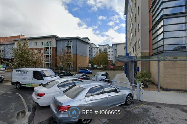 2 bed flat to rent in Railwayterrace, Slough SL2