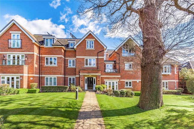 Thumbnail Flat to rent in Brookdene Drive, Northwood
